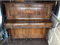 ***CAN DELIVER*** VERY PRETTY UPRIGHT PIANO ***CAN DELIVER***