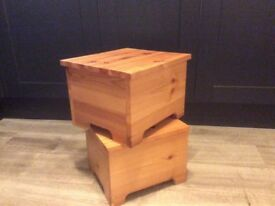 Pine step stools x 4