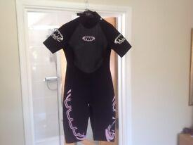 Ladies wet suit BNWT