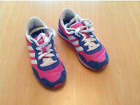 Girls uk size 10 adidas trainers