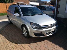 Vauxhall Astra 1.9 CDTI Diesel Sportive Van Silver no vat