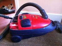 Old Vacuum Cleaner Working Fine but No Bags and Worn