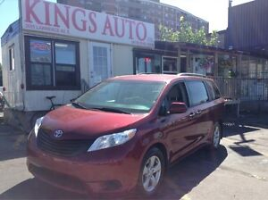 2014 Toyota Sienna 7 PASS, REAR STOW AND GO, 6 CYLINDER, TIPTRON
