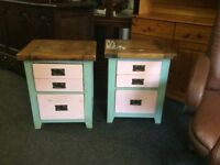 Reduced 2 oak chests of drawers
