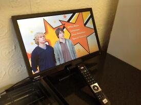 TOSHIBA 22 INCH LED TV WITH BUILT-IN FREEVIEW, DVD PLAYER, EXCELLENT CONDITION