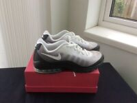 Nike Air Max Trainers - White Size 8