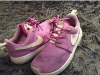 Girls lilac Nike Roshe Trainers