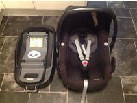 Maxi cosi pebble car seat with isofix base £70