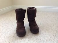 Genuine Ugg boots in excellent condition. Size Eur39/UK6
