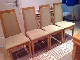 Kitchen table & 4 chairs in excellent condition