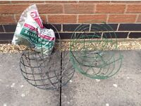 Hanging baskets with liner