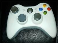 White Xbox wireless controller