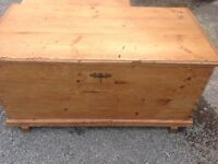 ANTIQUE STRIPPED PINE LARGE CHEST/TRUNK.