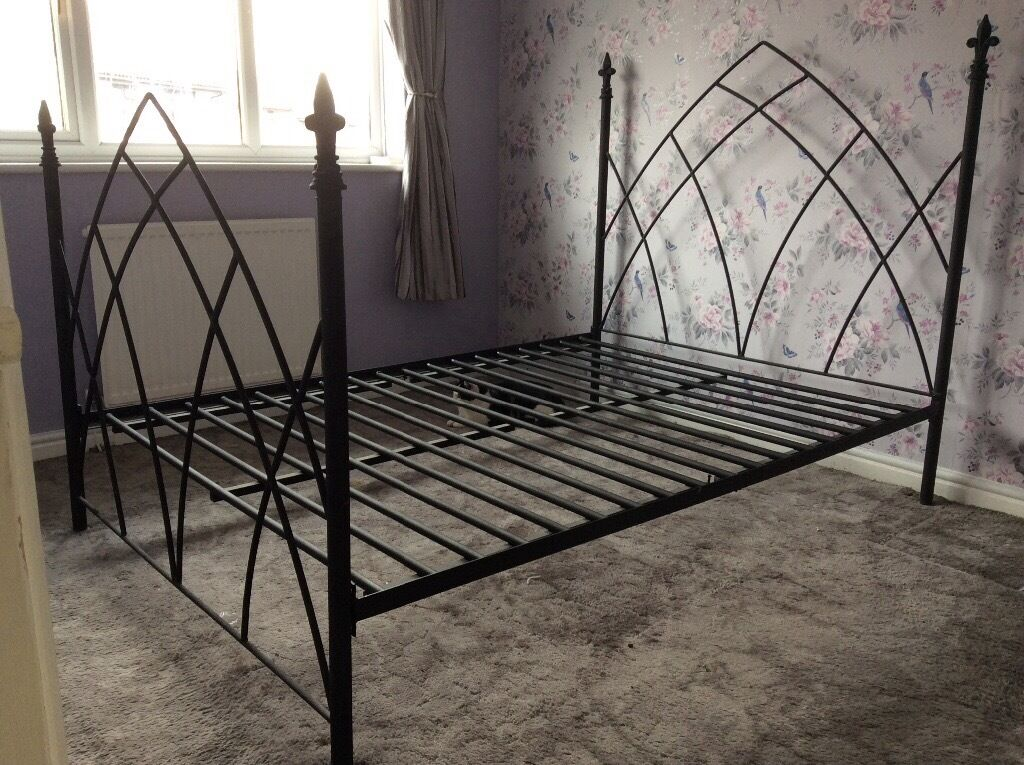 Black Wrought Iron Double Bed Frame Gothic Style Excellent Condition
