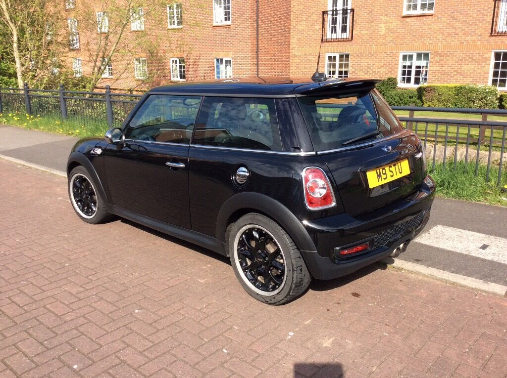 mini cooper s with chilli pack chrome pack panoramic sunroof half leather 1 owner from new. Black Bedroom Furniture Sets. Home Design Ideas