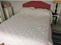 Stunning Vintage handcrochet double bedspread in cotton thread