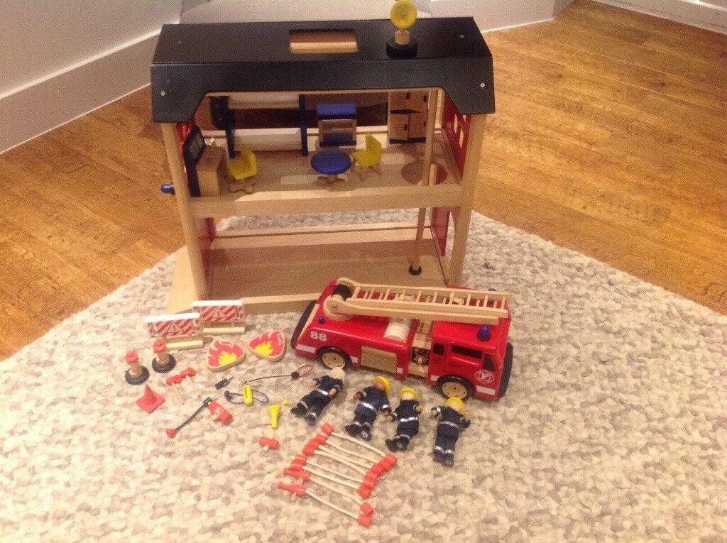 Pintoy wooden children's large fire station, fire engine, fire men, lots of accessories John Crane