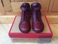 Women's Ankle Boots in Burgundy colour BRAND NEW - size UK 4 / EU 37
