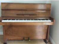 Lovely piano available!
