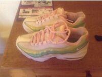 Nike girls 110s