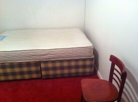 Double room to rent in shared accommodation in Brighton a few minutes away from Churchill square.