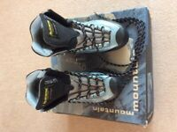 Ladies mountain boots