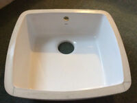 KITCHEN SINK white ceramic undermounted
