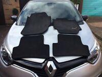 CAR MATS FOR A RENAULT CAPTUR.
