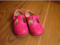 Clarks Girls Pink Shoes 6.5G