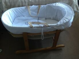 Moses basket with rocking wooden stand