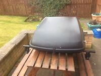 Halfords Roof Box with Thule Universal Roof Bars