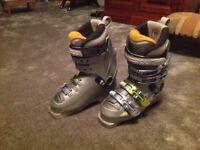 Ladies / girls ski boots size 23-23.5