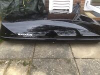 Roof box excellent condition