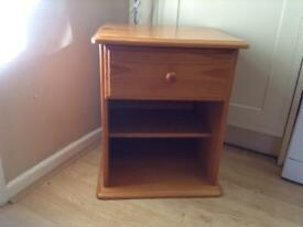 Bed side cabinet very good condition nice at side of single bed