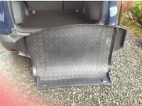 HONDA CRV TAILORED BOOT LINER TRAY. IMMACULATE CONDITION. FOR MODELS 2012 ONWARDS. GLASGOW.
