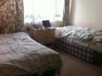 Twin room for 2 people in Roehampton near Putney