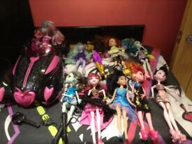 10 Bratz Dolls, car and Quilt cover