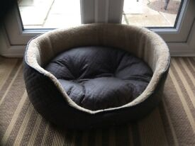 Round deep sided quilted Dog Bed