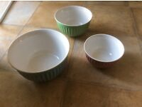SET OF 3 COLOURED MIXING BOWLS