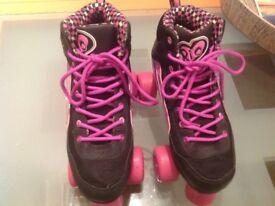 Skates, quads black and pink size 4