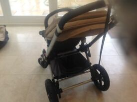 Bugaboo Cameleon carrycot and pushchair from Smoke and pet free home - good condition