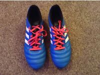 Men's Adidas moulded football boots size 9.5 *excellent condition*