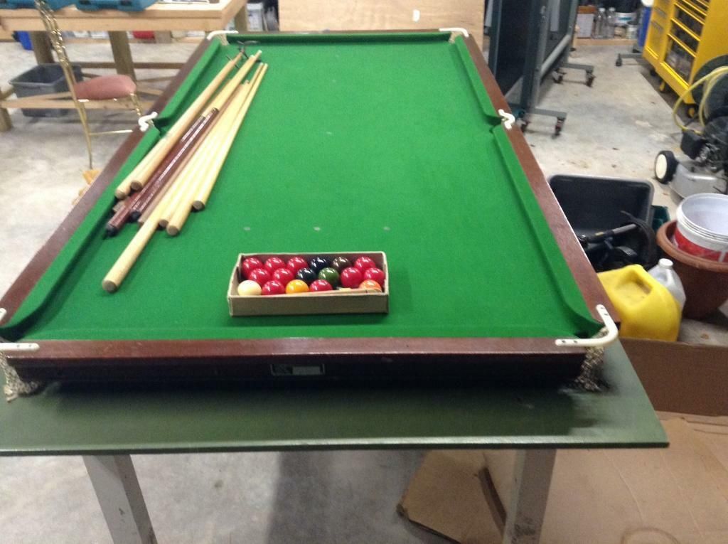 "7'3""x3'6"" snooker table"
