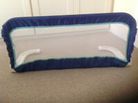 BED GUARD (blue)