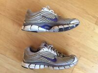 Genuine Nike Zoom Ladies Trainers (Running Gym Shoes)