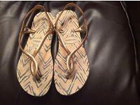 Ladies havaianas sling back sandal size 6-7