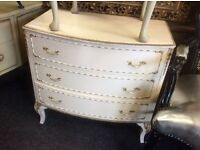 White Vintage chest of drawers