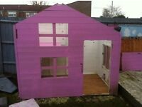 Kids 2 storey playhouse. Needs minor repair..