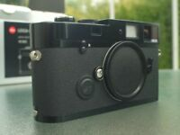 Black Leica MP 0.72 Rangefinder Camera in Excellent condition