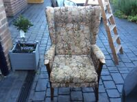 Set of 2 wingback chairs ideal to recover